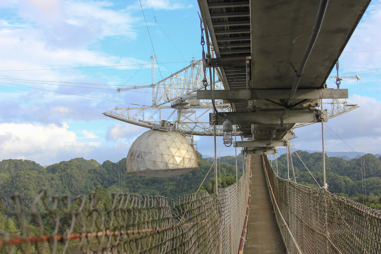 Arecibo Observatory - Wallpaper 003